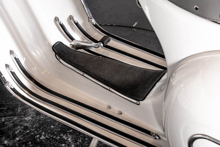 1961 Piaggio Vespa GS 160 9