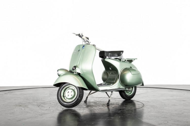 1952 Piaggio Vespa 125 V33 1