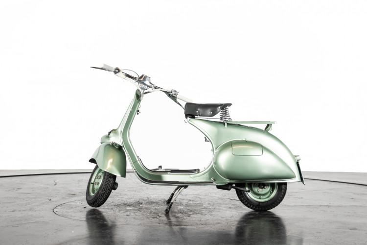 1952 Piaggio Vespa 125 V33 2
