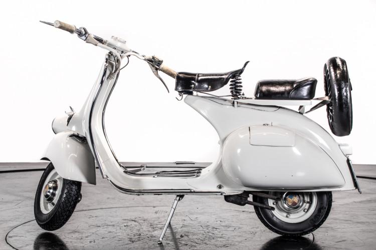 1957 Piaggio Vespa 125 Faro Basso '57 0