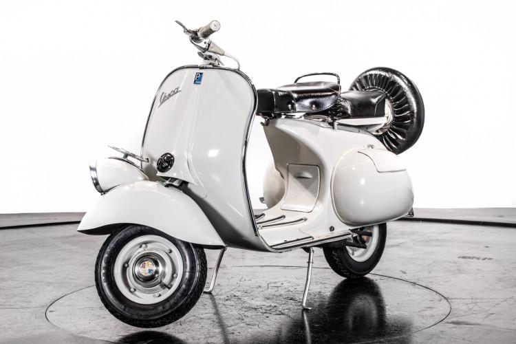 1957 Piaggio Vespa 125 Faro Basso '57 4