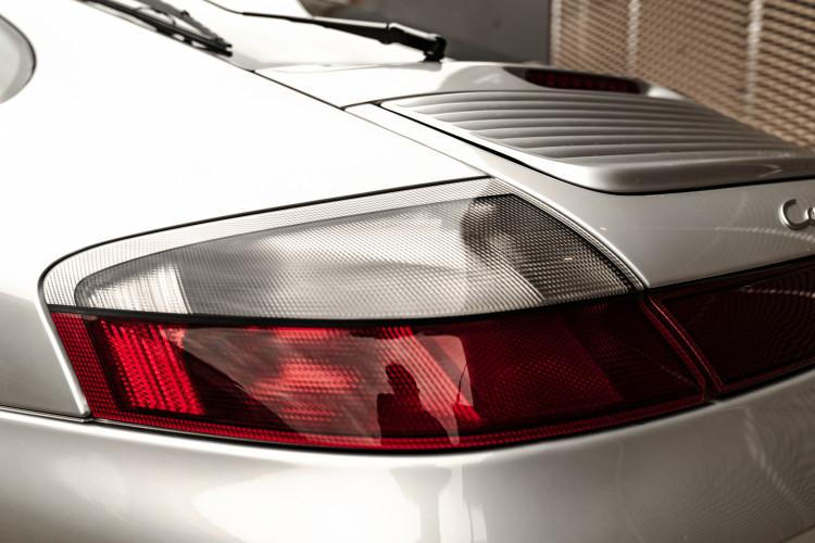 2002 Porsche 996 Carrera 4S Coupé 13