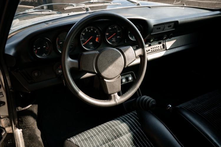 1977 Porsche 911 SC 32