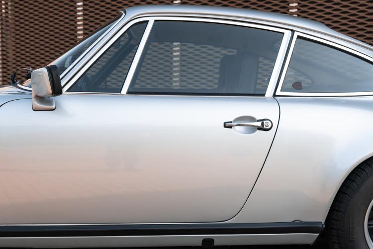 1977 Porsche 911 SC 12