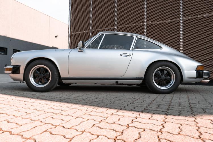 1977 Porsche 911 SC 5