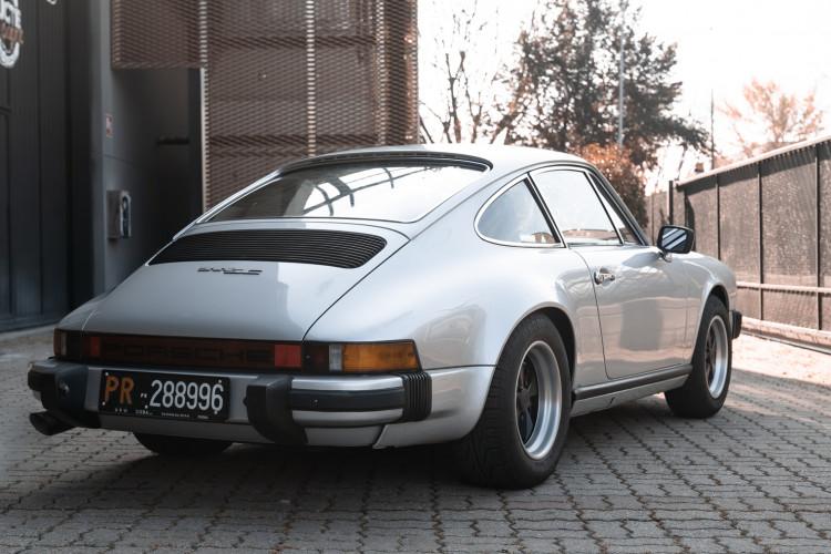 1977 Porsche 911 SC 3