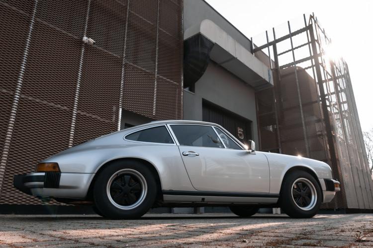 1977 Porsche 911 SC 9