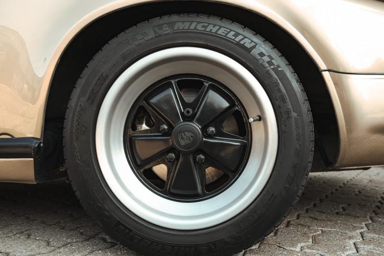 1985 Porsche 911 Carrera 3.2 Targa 20