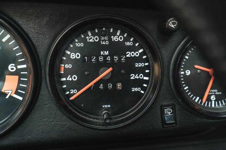 1985 Porsche 911 Carrera 3.2 Targa 43