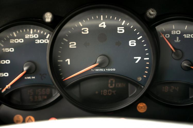 1999 Porsche 996 Carrera Coupè 37