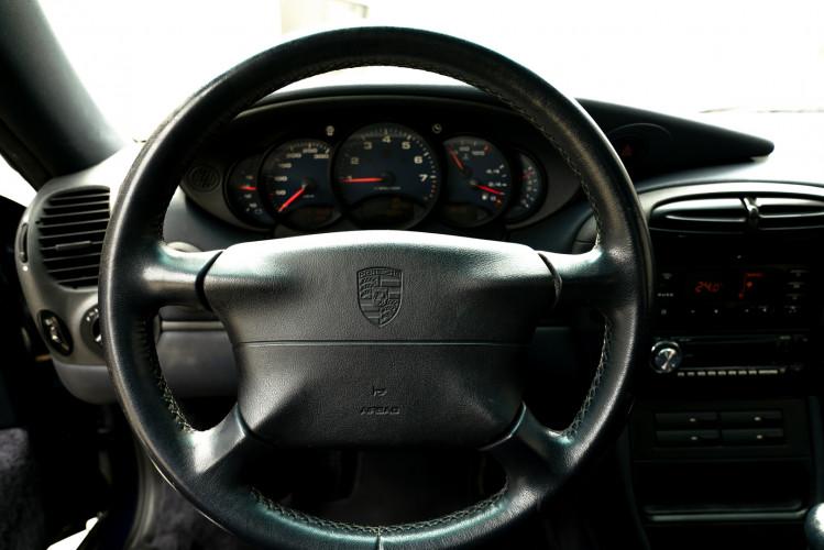 1999 Porsche 996 Carrera Coupè 35