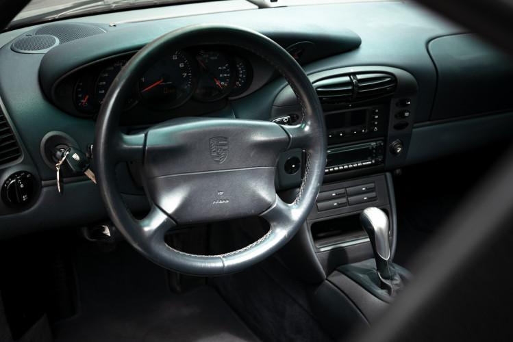 1999 Porsche 996 Carrera Coupè 34