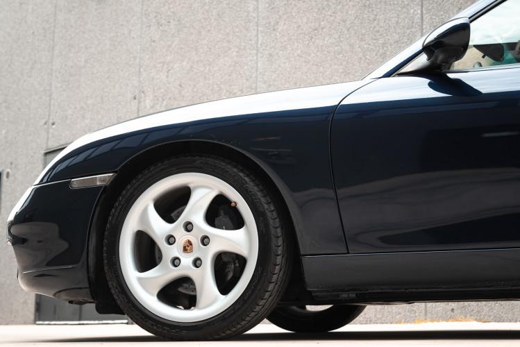 1999 Porsche 996 Carrera Coupè 14