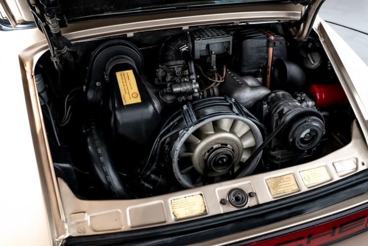 1985 Porsche 911 Carrera 3.2 Targa 21
