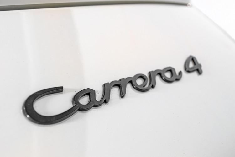 1990 Porsche 964 Carrera 4 13