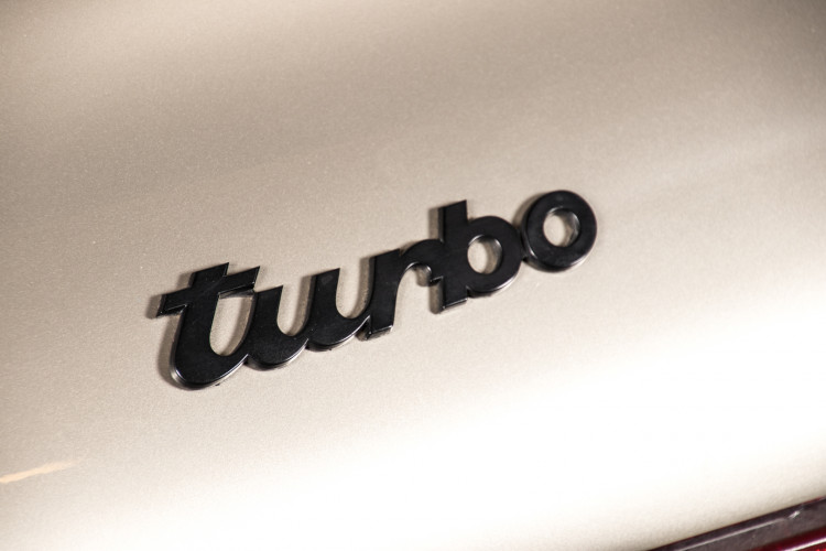 1985 Porsche 930 Turbo 9