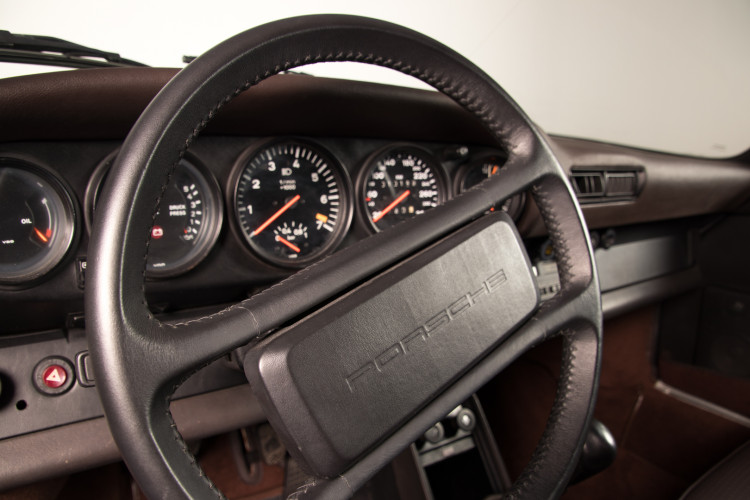 1985 Porsche 930 Turbo 21