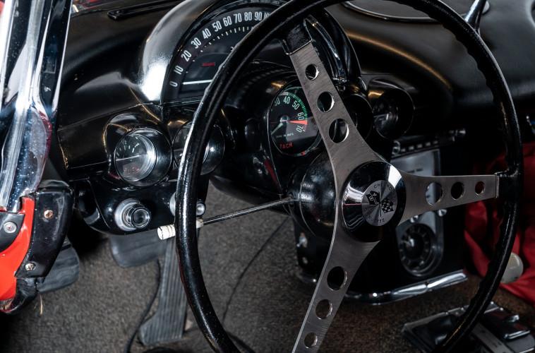 1962 CHEVROLET CORVETTE C1 16