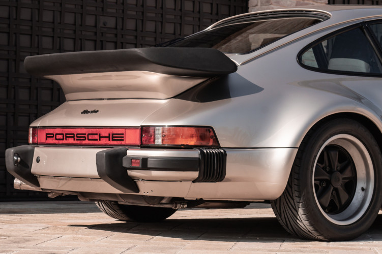 1985 Porsche 930 Turbo 34