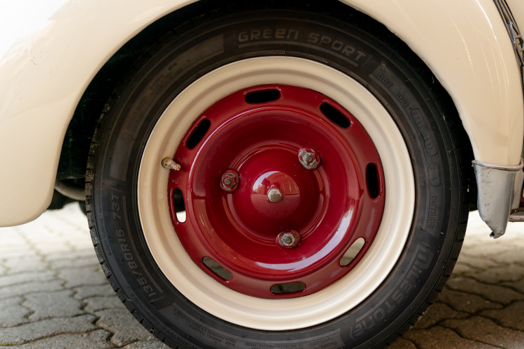 1956 Renault 4CV Sport 31