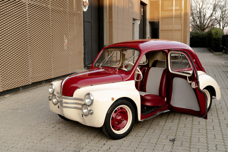 1956 Renault 4CV Sport 1