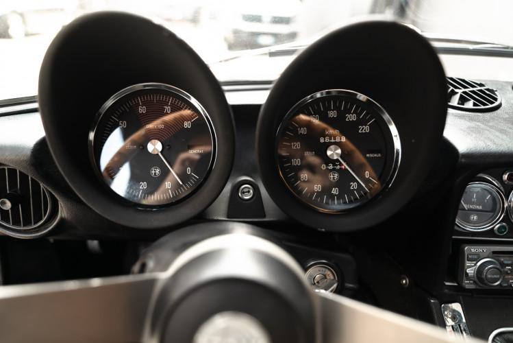 1976 Alfa Romeo Spider 2000 Duetto 32