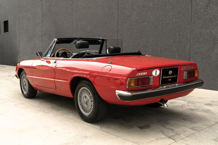 1976 Alfa Romeo Spider 2000 Duetto 40
