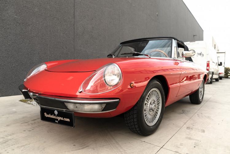 1976 Alfa Romeo Spider 2000 Duetto 2