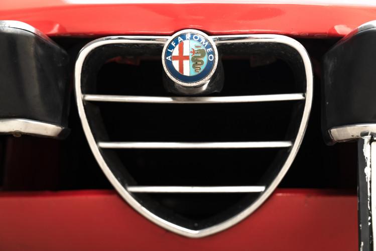 1976 Alfa Romeo Spider 2000 Duetto 11