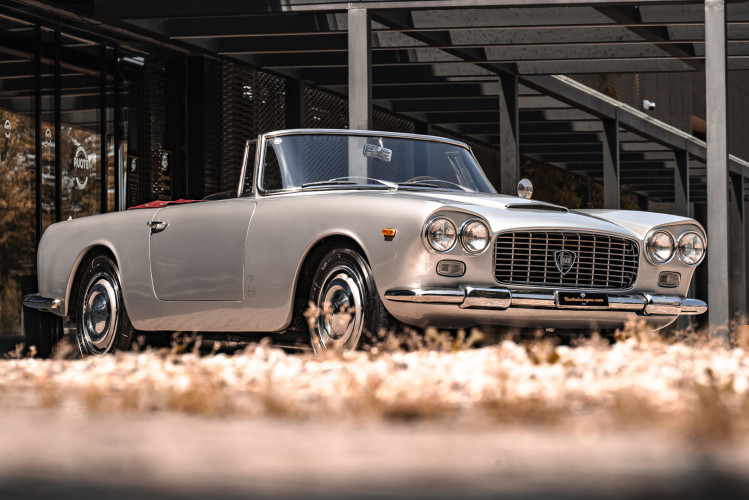 1963 Lancia Flaminia Touring Convertible 2500 3C  5