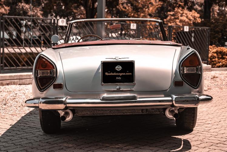 1963 Lancia Flaminia Touring Convertible 2500 3C  14