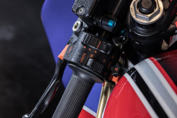 1990 Ducati 851 13