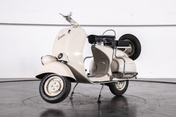 1953 Piaggio Vespa 125 VM1T 24