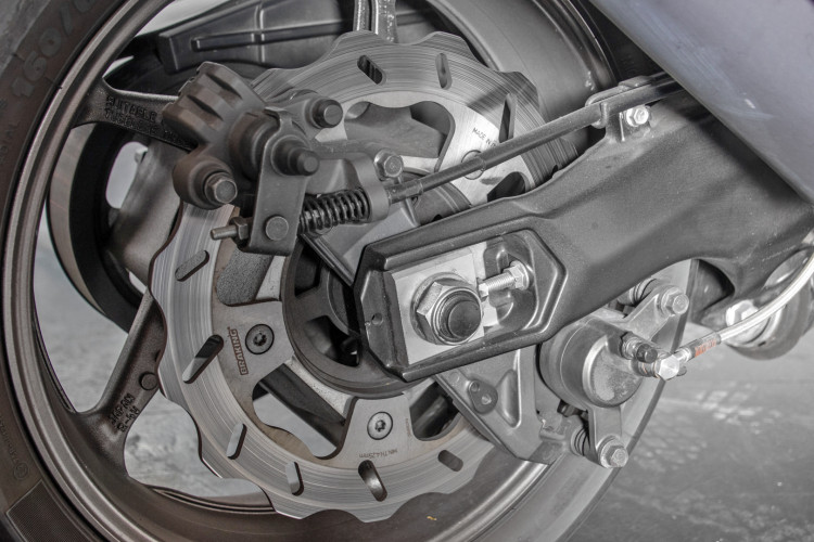 2013 Yamaha T-Max 530 30