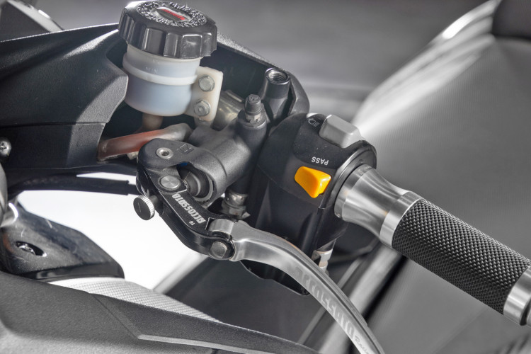 2013 Yamaha T-Max 530 16