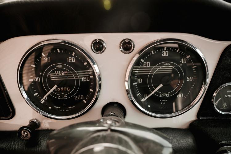 1963 Triumph TR4 28