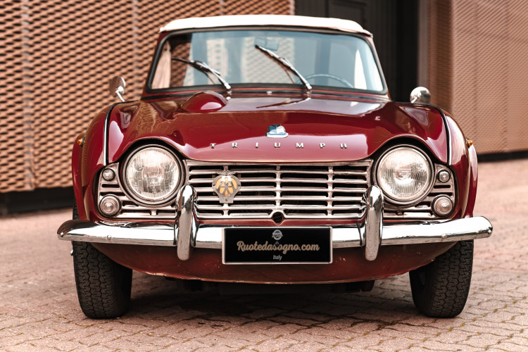 1963 Triumph TR4 Sport 5