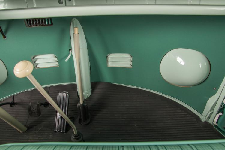 """1964 Volkswagen T1 """"21 windows"""" 37"""