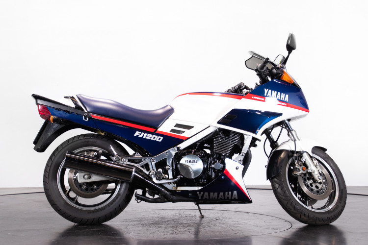 1986 Yamaha FJ 1200 2