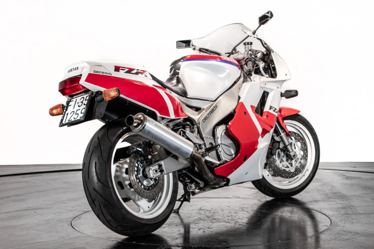 1991 Yamaha FZR1000 3GM 3