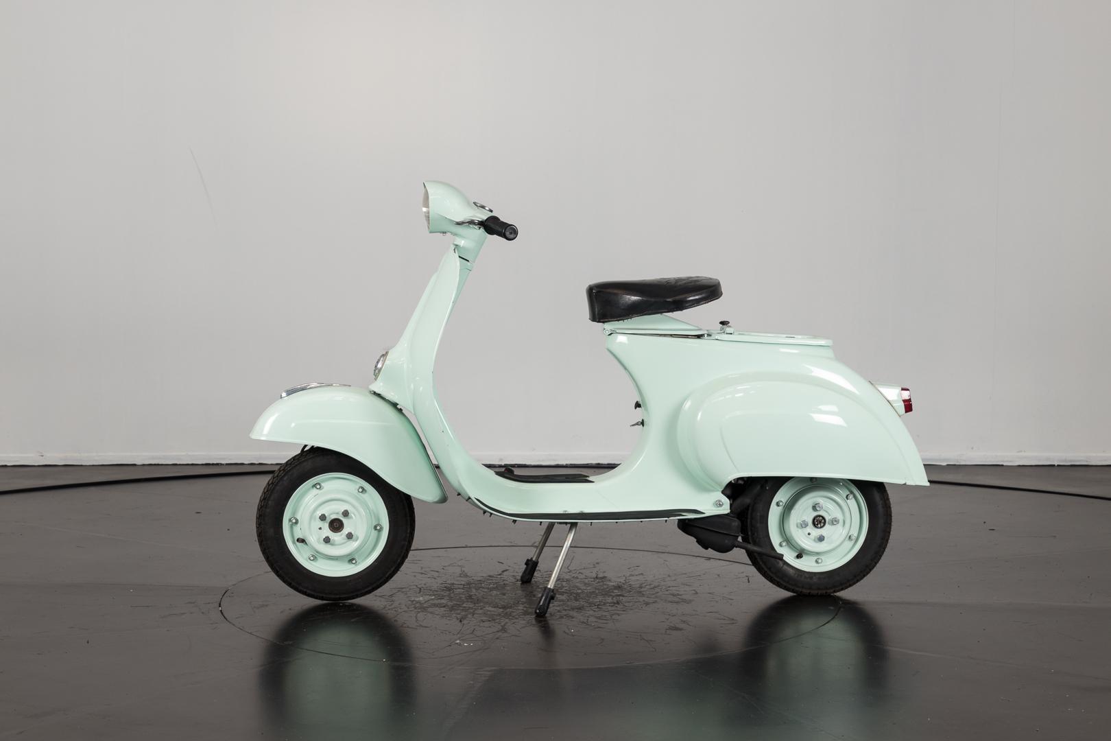 1964 piaggio vespa 50 i serie ruote da sogno. Black Bedroom Furniture Sets. Home Design Ideas