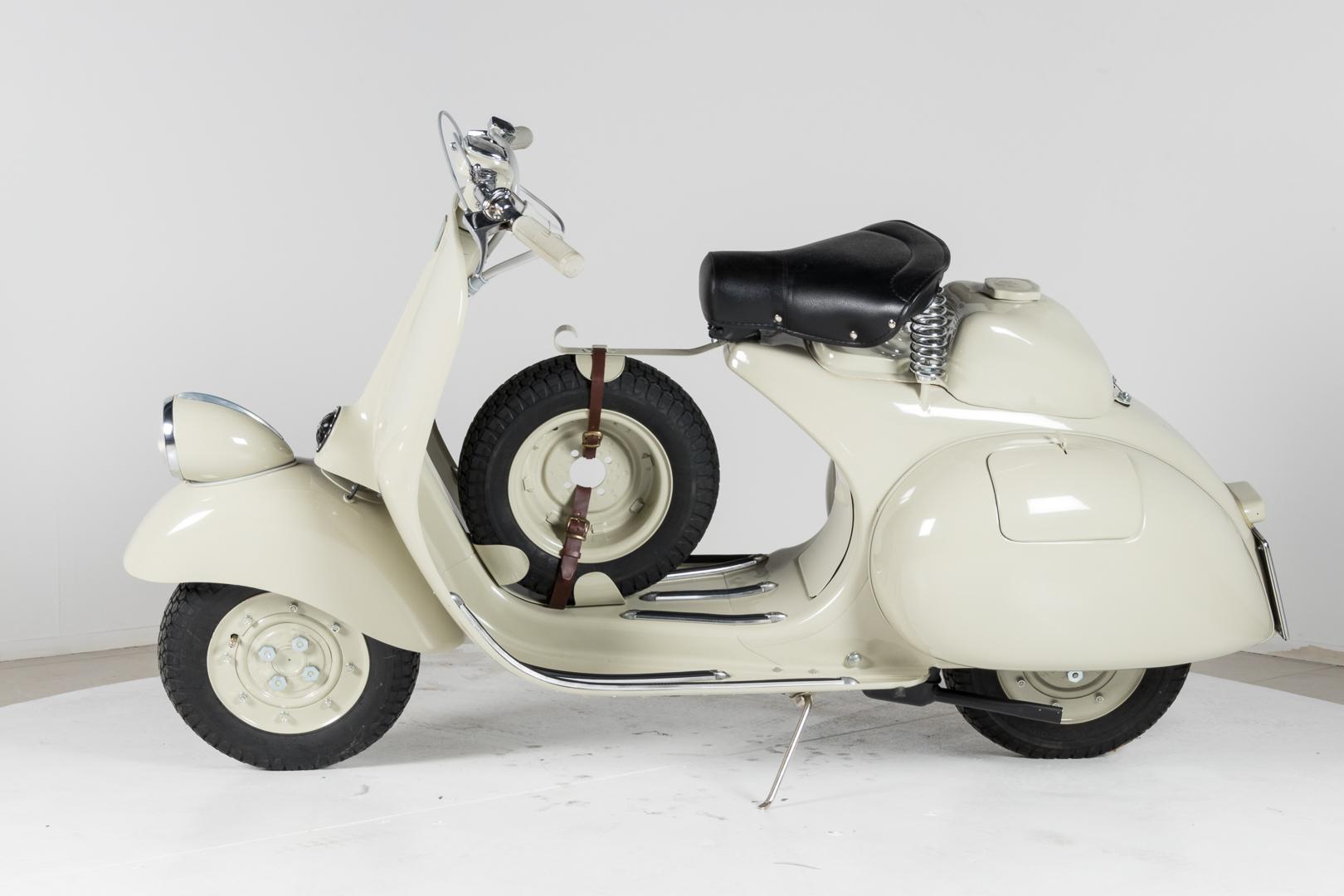 1953 piaggio vespa 125 sei giorni sport piaggio classic motorbikes ruote da sogno. Black Bedroom Furniture Sets. Home Design Ideas